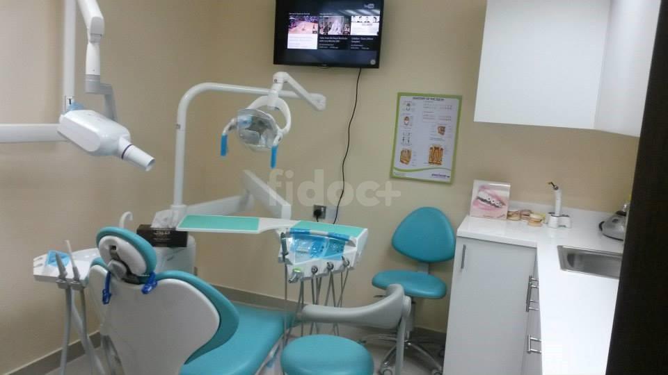 Dr. Deena Al Qedrah General, Vascular Surgery & Dental Clinic, Dubai